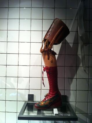 Kahlo's prosthetic leg